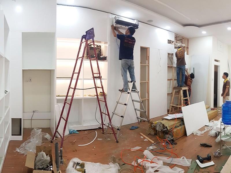 Dịch vụ sửa nhà đắt khách mùa COVID-19 - ảnh 1