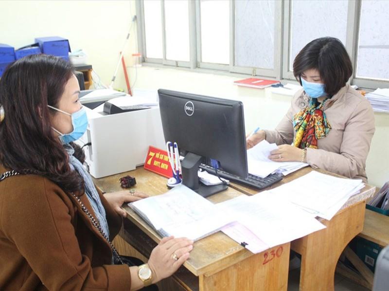 Dịch COVID-19: Ai được nhận lương hưu, trợ cấp BHXH tại nhà? - ảnh 1