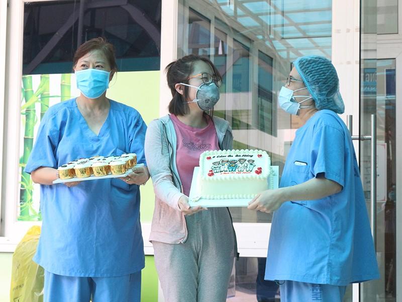 Bệnh nhân COVID-19: 'Tôi được chăm sóc từng chút một' - ảnh 1