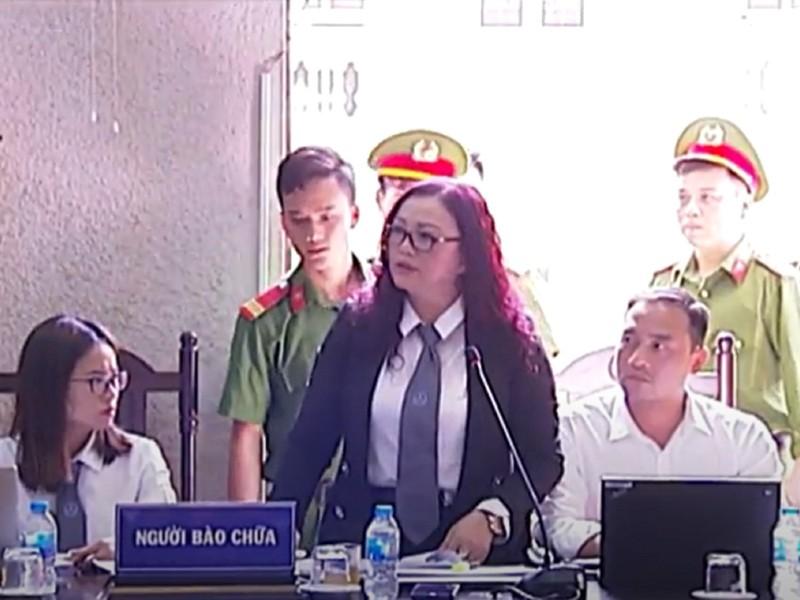Xem xét vụ chủ tọa buộc luật sư rời phòng xử - ảnh 1