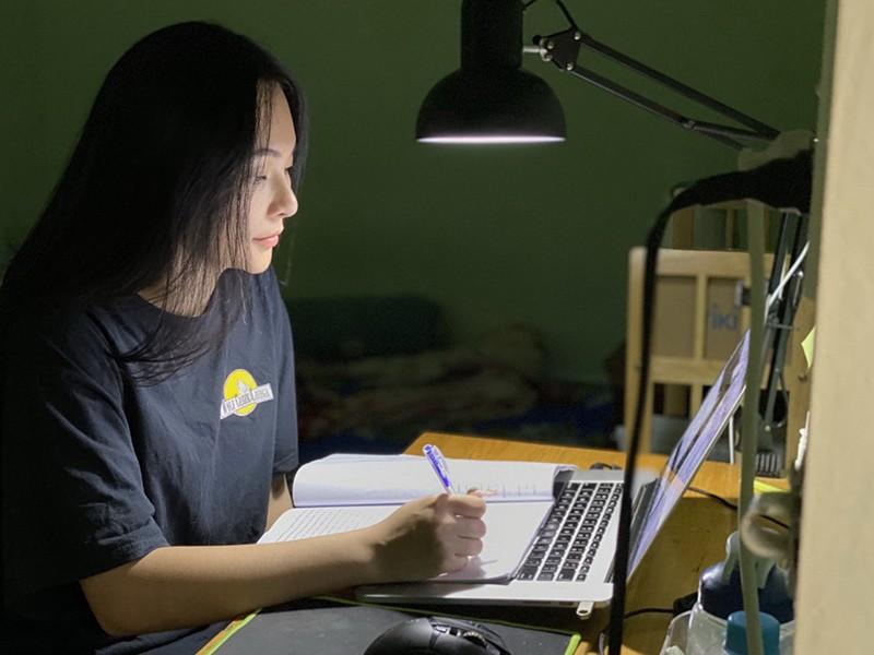 Băn khoăn công nhận kết quả học qua Internet - ảnh 1