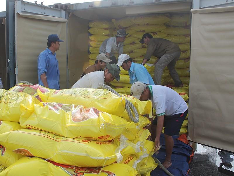Nhiều vướng mắc về xuất khẩu gạo được tháo gỡ - ảnh 2