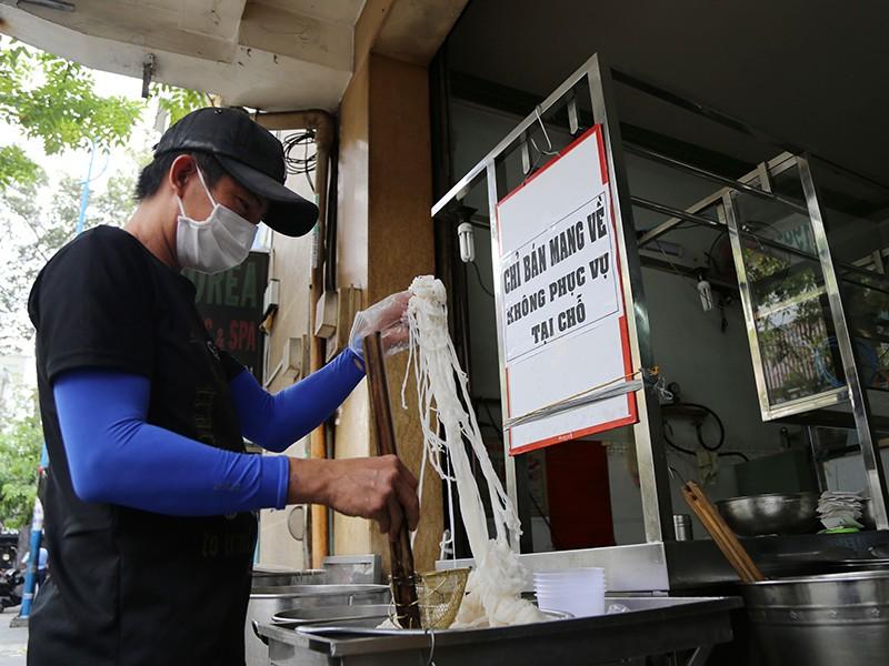 TP.HCM, Hà Nội mở cửa một số hoạt động kinh doanh - ảnh 1
