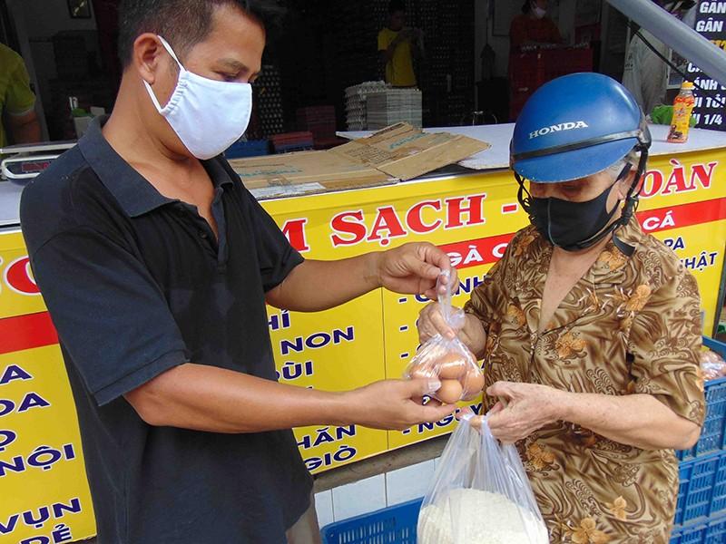 'Phiên bản lỗi' ATM gạo nghĩa tình của chủ vựa trứng - ảnh 2