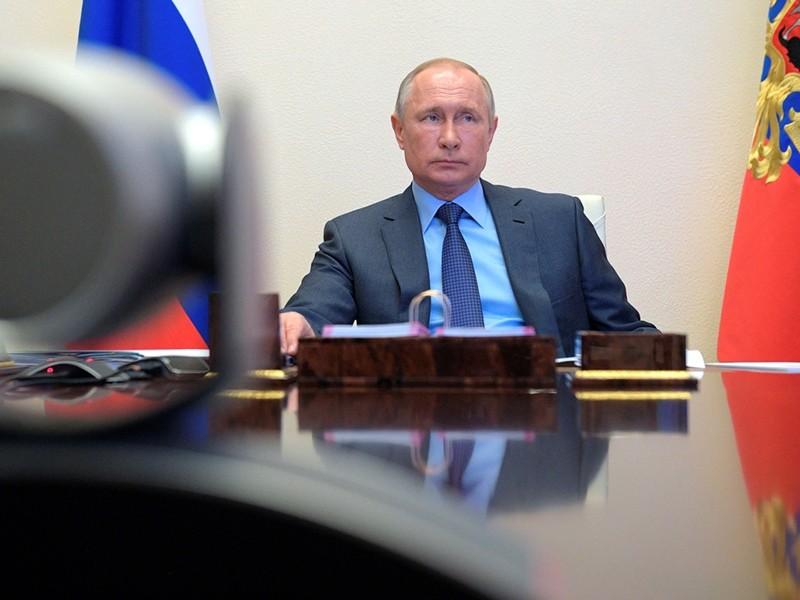 Ông Putin chịu sức ép lớn vì COVID-19 diễn biến xấu - ảnh 1