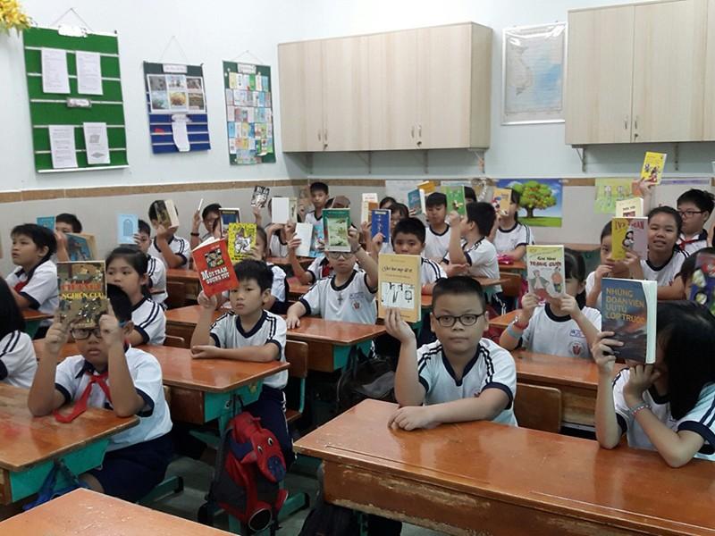Trường học xoay xở giãn cách lớp học - ảnh 1