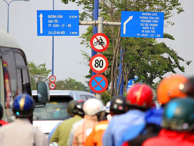 2 dự luật về giao thông của Bộ Công an và GTVT chồng chéo - ảnh 1