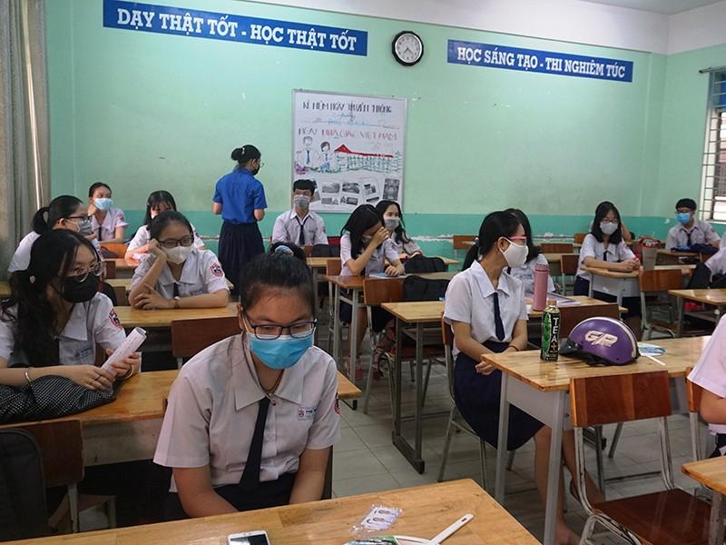 Nhiều phương án an toàn cho học sinh trở lại trường - ảnh 1