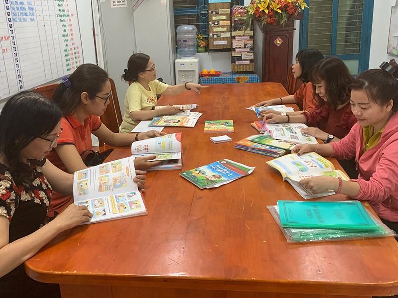 Trường học đã chọn xong sách giáo khoa lớp 1 - ảnh 1