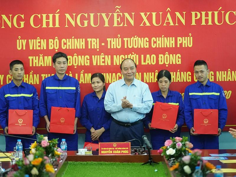 Thủ tướng thăm công nhân vùng mỏ Quảng Ninh - ảnh 1