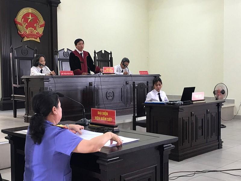 Tòa xử UBND quận thua kiện dân - ảnh 1