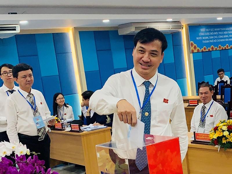 Ông Lê Hòa Bình làm bí thư Đảng ủy Sở Xây dựng TP.HCM - ảnh 1