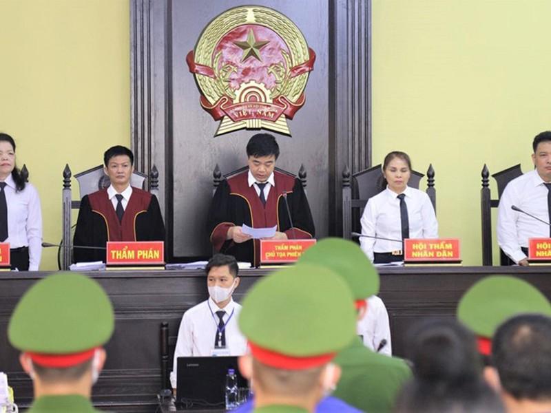 Cựu phó giám đốc Sở Giáo dục Sơn La bị 9 năm tù - ảnh 1