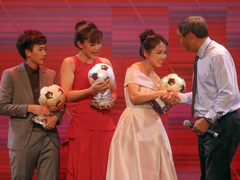 HLV Mai Đức Chung nhận thành tựu trọn đời, vinh danh Fair Play - ảnh 2