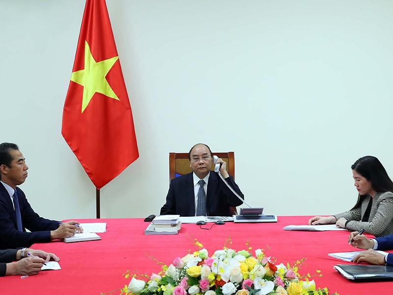 Thủ tướng Nguyễn Xuân Phúc điện đàm với thủ tướng Pháp - ảnh 1