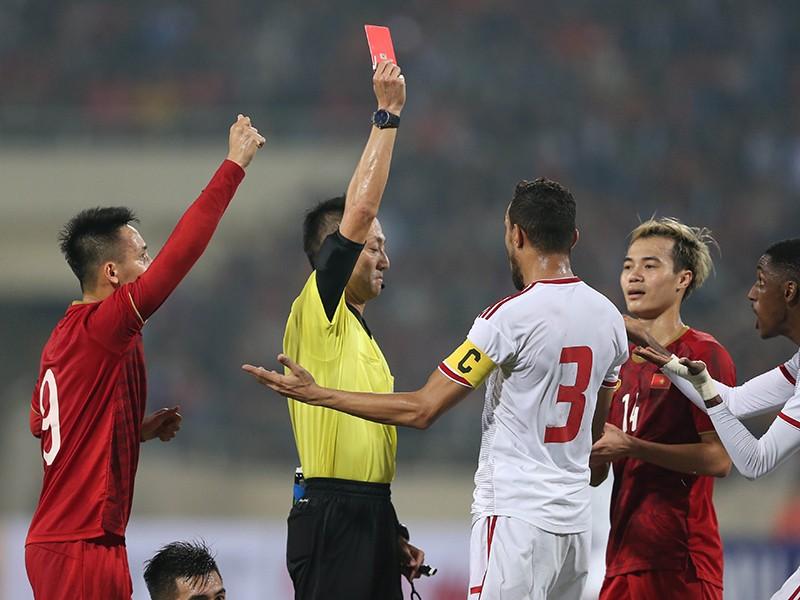 UAE sớm 'tung cờ trắng' dù chưa gặp lại tuyển Việt Nam - ảnh 1