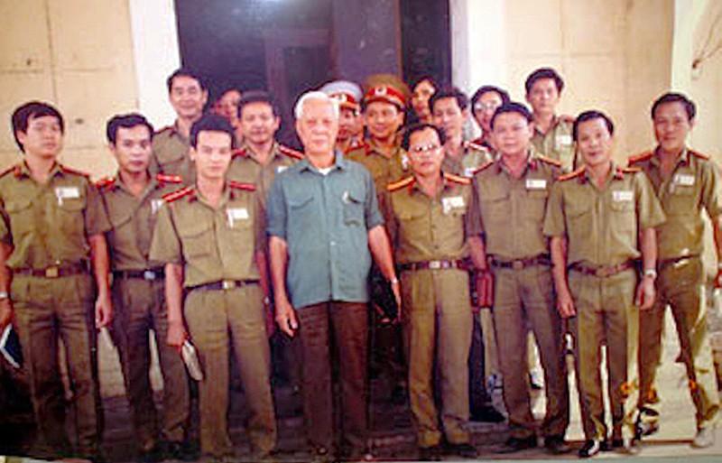 Đại tá Ba Tung: Lẫy lừng trang viết, bi kịch trang đời - ảnh 1