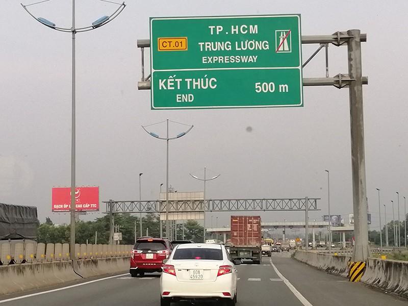 Lo bị phạt vì quy chuẩn giao thông đường bộ mới - ảnh 1