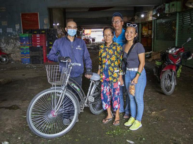Chàng trai 'hồi sinh' xe đạp tặng người nghèo - ảnh 1