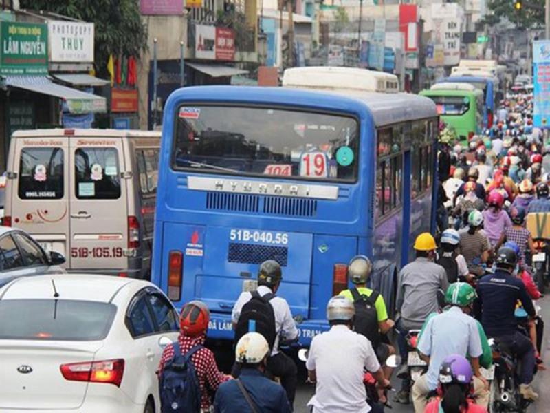 Hiến kế phát triển giao thông công cộng trong 10 năm tới - ảnh 1