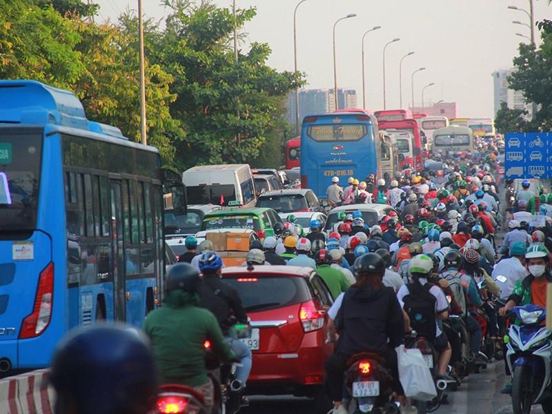 Sẽ giải quyết dứt điểm vướng mắc về trợ giá xe buýt - ảnh 1