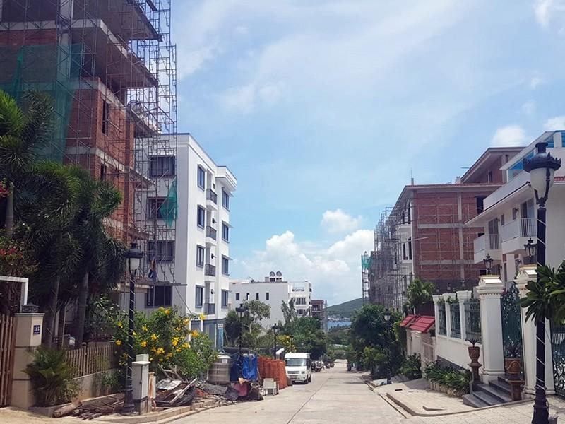 Khánh Hòa vẫn lừng khừng xử lý 13 biệt thự trái phép - ảnh 1