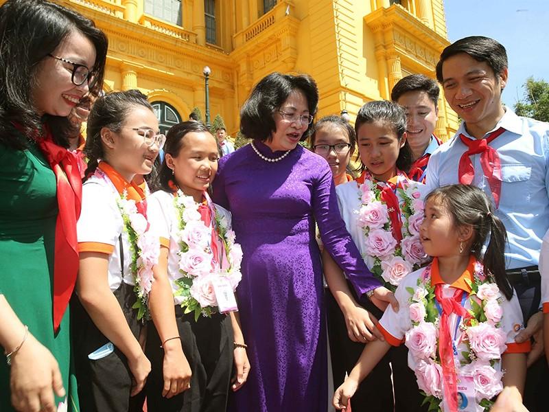 Phó Chủ tịch nước: Cháu ngoan Bác Hồ phải dám ước mơ, sáng tạo - ảnh 1