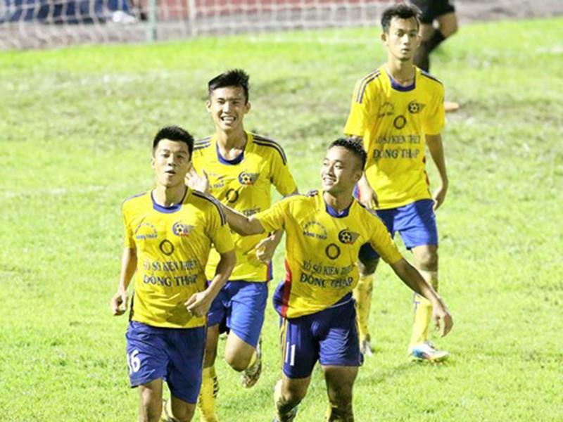 FIFA treo giò cấp độ toàn cầu 11 cầu thủ trẻ Việt Nam - ảnh 1