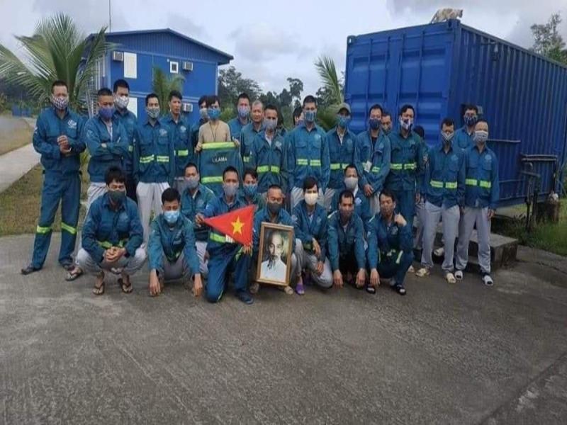 Chuyến bay đặc biệt đón 120 người Việt mắc COVID-19 về nước - ảnh 1