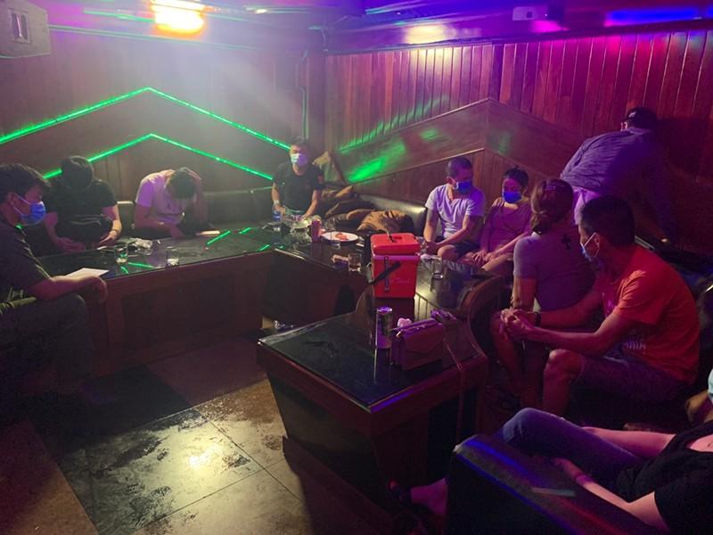 Đà Nẵng: 'Dân chơi' tụ tập phê ma túy trong dịch COVID - ảnh 1