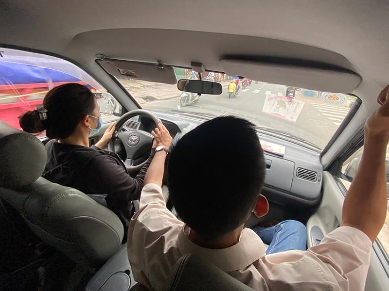 Đa số thành viên Chính phủ muốn Bộ GTVT cấp bằng lái xe - ảnh 1