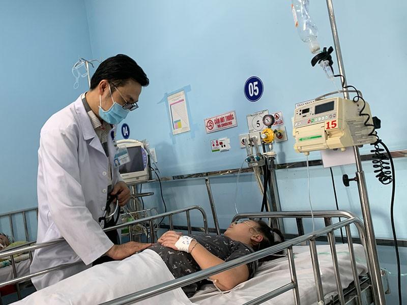 Sốt xuất huyết tăng, nhiều trẻ biến chứng sốc - ảnh 1