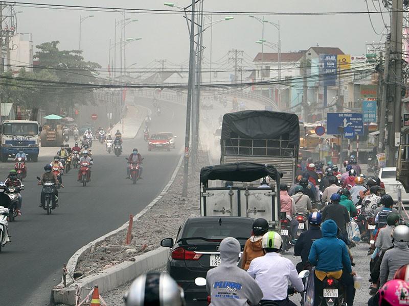 Dân than trời vì dự án nâng cấp đường gây bụi mù mịt - ảnh 1