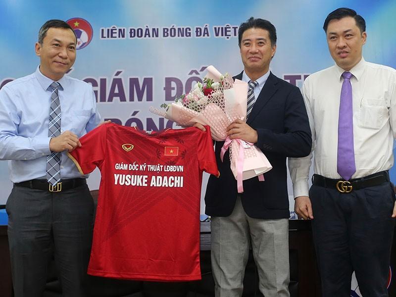 Chuyên gia Nhật nâng tầm bóng đá Việt - ảnh 1