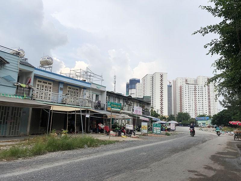 Chủ Tràm Chim resort lại bị phát hiện xây trái phép cả khu phố - ảnh 1
