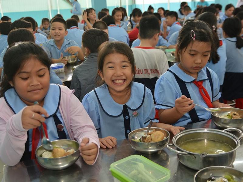 Bữa ăn học đường: Chọn đúng nhà cung cấp - ảnh 1