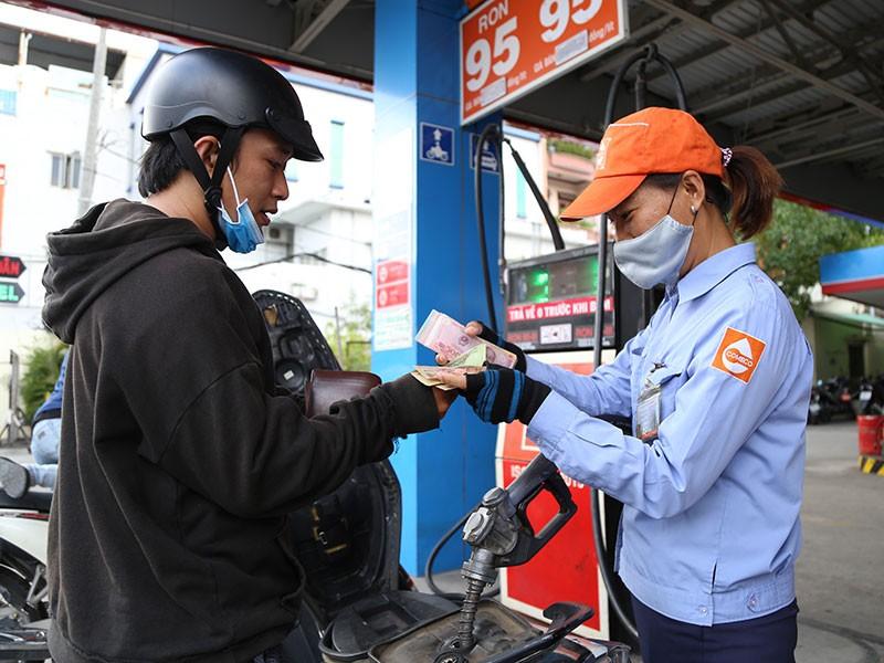 Cách tính giá xăng sẽ có nhiều thay đổi? - ảnh 1