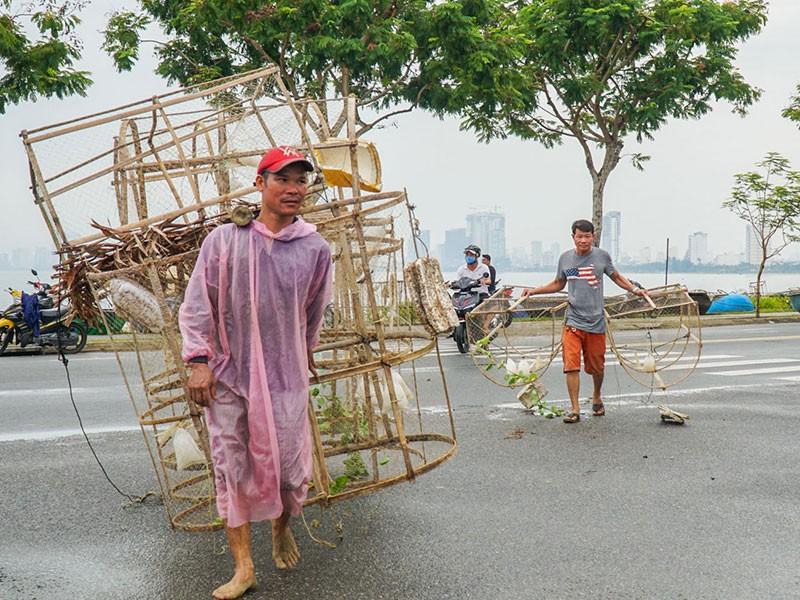 Chiều nay, bão đổ bộ Quảng Bình - Quảng Nam - ảnh 2
