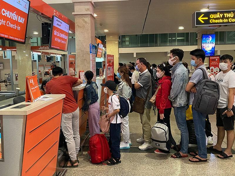 Các đại lý bắt đầu mở bán vé bay quốc tế - ảnh 1
