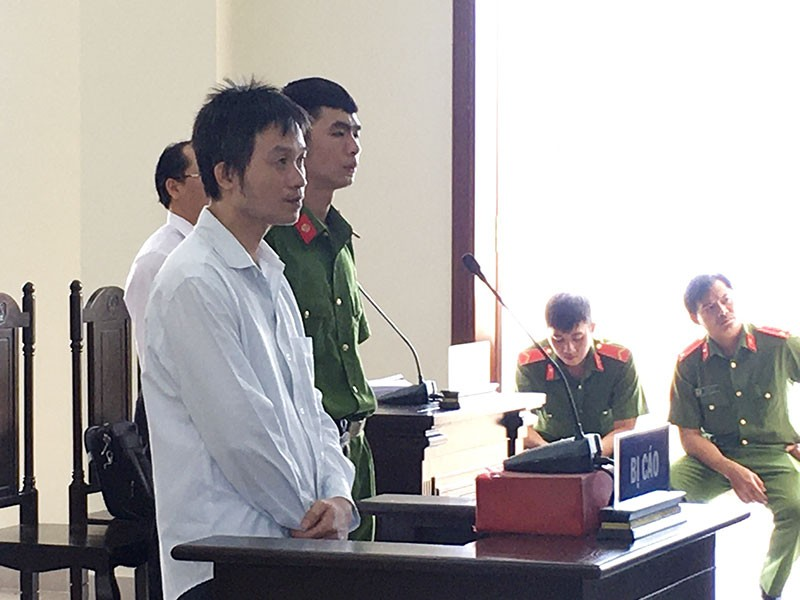 Tòa 'giảng luật' để xử án tâm phục, khẩu phục - ảnh 1