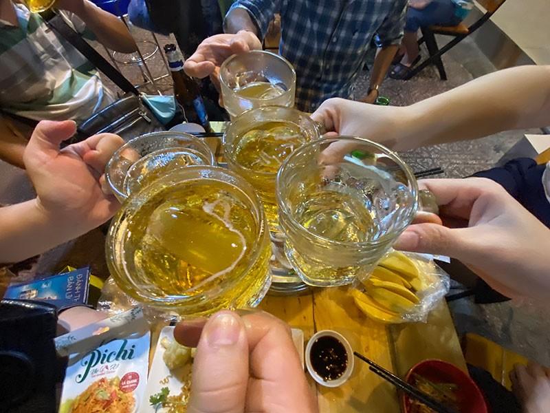 Phạt ép người khác uống rượu, bia: Những điều cần làm rõ - ảnh 1