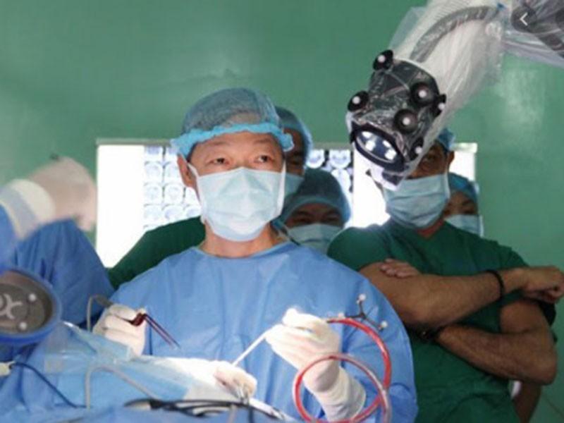 Bệnh viện 115 nói về việc trả robot mổ não - ảnh 1