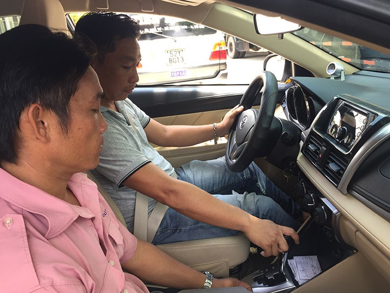 Băn khoăn việc chuyển Bộ Công an cấp bằng lái xe - ảnh 1