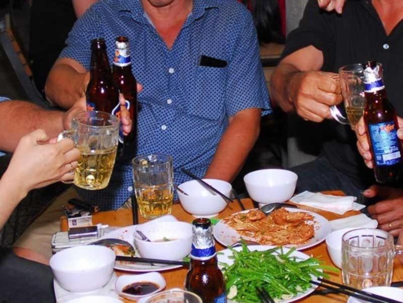 Rượu, bia và quy định phạt bí hiểm - ảnh 2