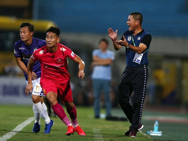 Nguy cơ 3 đánh 1 ở V-League - ảnh 1