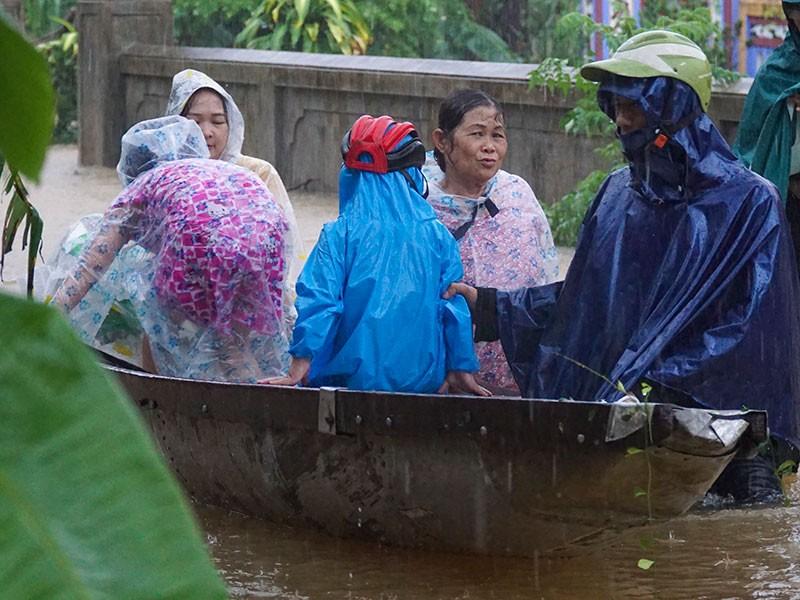 33.000 ngôi nhà ở miền Trung chìm trong lũ - ảnh 2