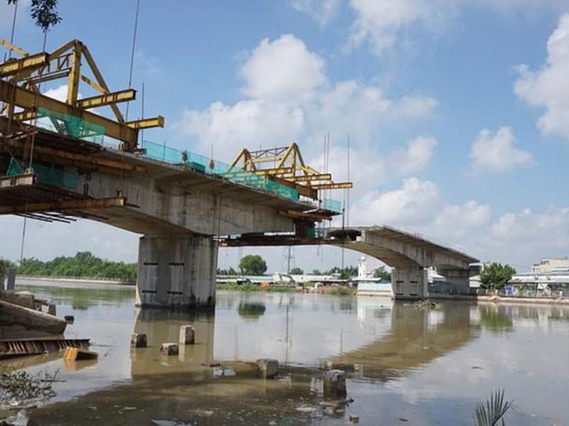 Hợp long cầu Phước Lộc sau gần 10 năm thi công - ảnh 1