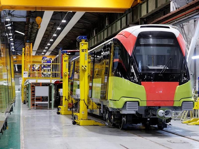 Đoàn tàu tuyến metro Nhổn - ga Hà Nội sắp cập cảng Hải Phòng - ảnh 1
