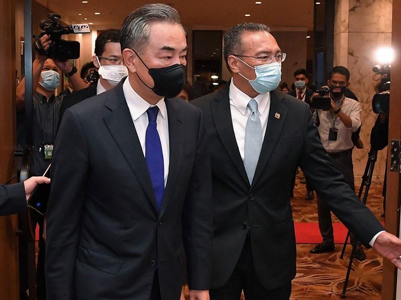 'Đòn tranh thủ' của ông Vương Nghị ở Malaysia - ảnh 1