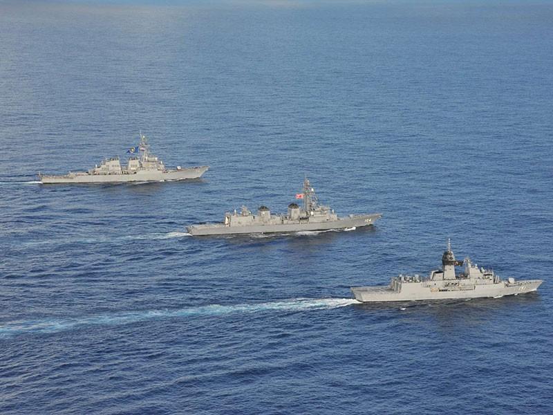 Mỹ, Nhật, Úc tập trận quy mô lớn ở Biển Đông - ảnh 1
